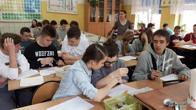 Dzień Chemiczny w Gimnazjum nr 48 im. Jana Pawła II