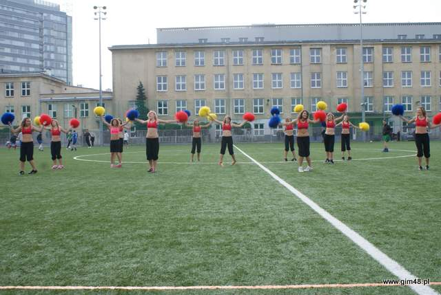 Nasze cheerleaderki na otwarciu boisk w Zespole Szkół im. Michała Konarskiego