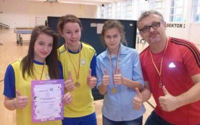 Mistrzostwa Dzielnicy i Warszawska Olimpiada Młodzieży w Tenisie Stołowym dziewcząt i chłopców
