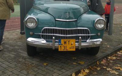 Grupa 0c miała okazję dokładnie obejrzeć samochód, którym podróżował Jan Paweł II.